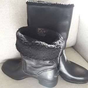 AUTHENTIC Black leather COACH boots